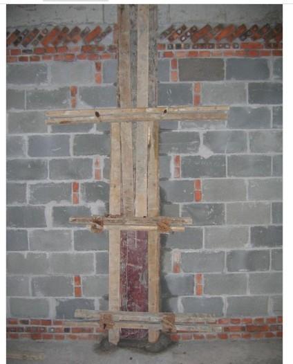 在砖混结构中 构造柱浇筑混凝土时 用模板吗