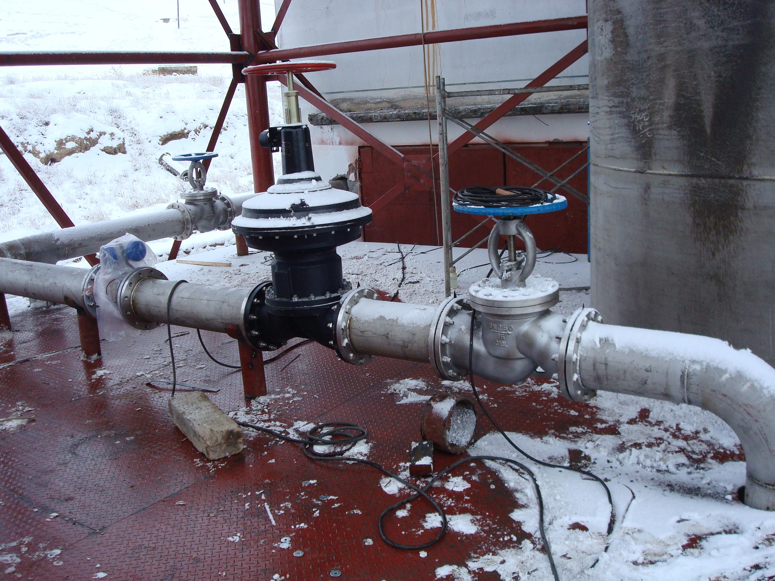 给排水管上安装的截止阀,止回阀图片